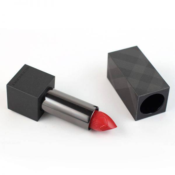 Son-Burberry-Lip-Velvet-Lipstick-mau-429-Limitary-Red-Vivalust.vn-4.jpg