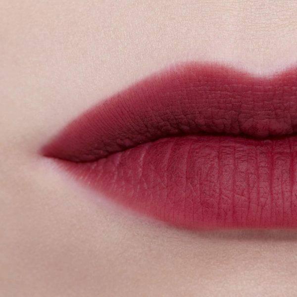 Son-Chanel-Rouge-Allure-Liquid-Powder-Matte-960-Avant-Gardiste-Vivalust.vn-5.jpg