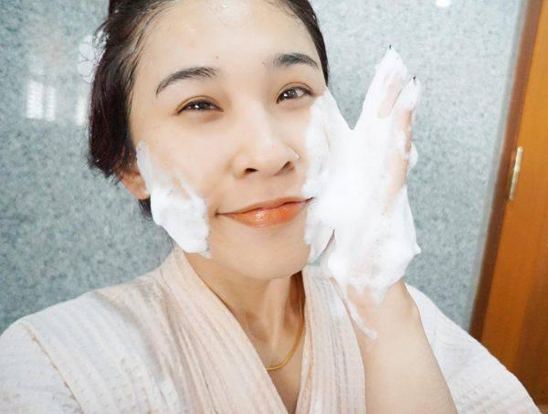 Sua-rua-mat-Senka-Perfect-White-Clay-Vivalust.vn-13-.jpg