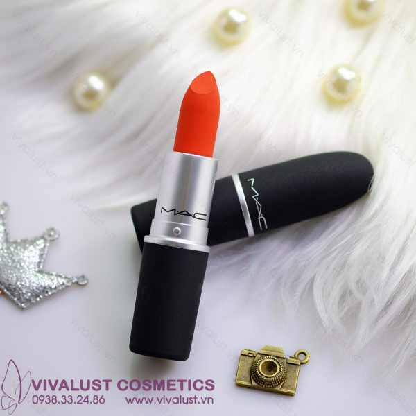 MAC-Powder-Kiss-303-Style-Shocked-Vivalust-1.jpg